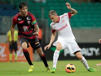 Em jogo realizado na Fonte Nova, Vitória e Internacional ficaram no 2 a 2 - Foto: Eduardo Martins | Ag. A TARDE