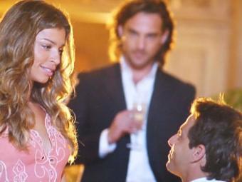 No último capítulo Alberto foge da clínica ao descobrir sobre casamento de Ester e Cassiano - Foto: TV Globo   Divulgação