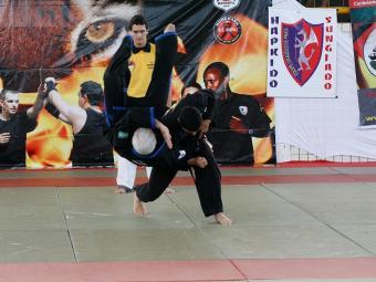 Hapkido é uma técnica especializada em defesa pessoal - Foto: Luciano da Matta | Ag. A TARDE
