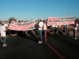 Agricultores pedem regularização fundiária, luz e telefonia - Foto: Divulgação   Henrique Oliveira