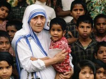 Madre Tereza de Calcutá é um símbolo de autodoação e altruísmo - Foto: Divulgação
