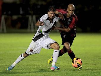 No primeiro turno, Dinei foi o grande nome do jogo ao marcar dois gols - Foto: Eduardo Martins   Ag. A TARDE