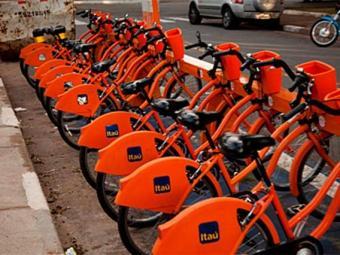 População contará com cinco estações de bicicletas públicas, que começam a funcionar neste domingo - Foto: Agecom Salvador | Divulgação