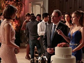 Wilson desmascara a it-girl no casamento de Lara e Bento ouve - Foto: TV Globo | Divulgação