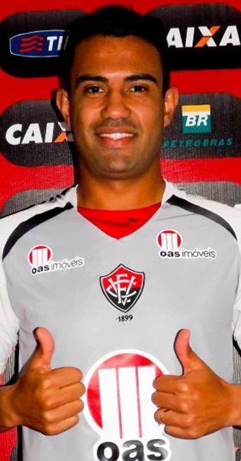 Renato Santos, 26, começou a carreira na base do Vitória - Foto: Site do Vitória | Divulgação