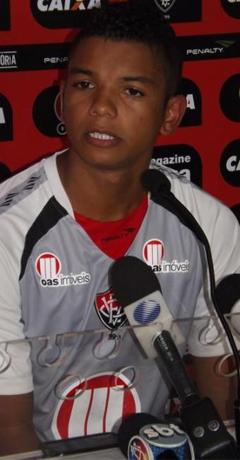 Fora do elenco desde a Copa do Nordeste, David Braz volta ao grupo com a chegada de Ney Franco - Foto: Vitória | Divulgação
