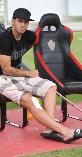 O zagueiro Fabrício é um dos quatro jogadores do Leão que estão fora da temporada 2013 - Foto: Edilson Lima/ Ag. A TARDE