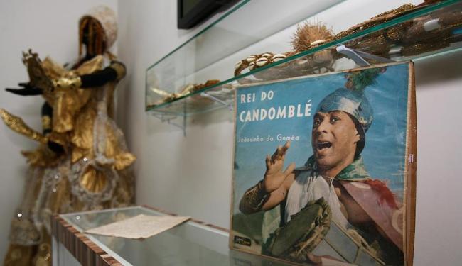Estátuas de Dandalunda e outros objetos instalados no Memorial Kisimbiê - Foto: Raul Spinassé | Ag. A TARDE