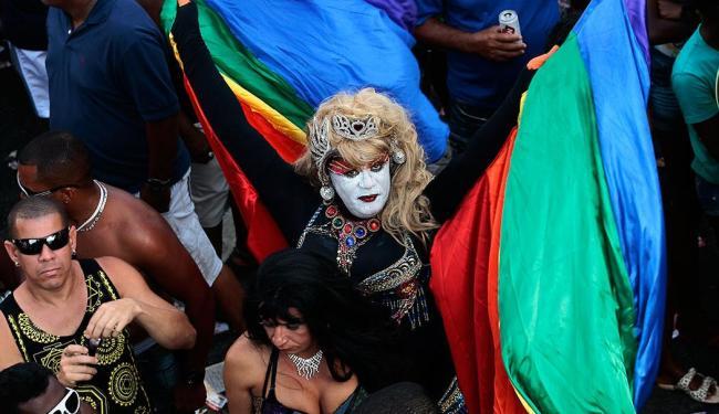 Acontece neste domingo, 8, a 12ª Parada Gay da Bahia - Foto: Mila Cordeiro| Ag. A TARDE