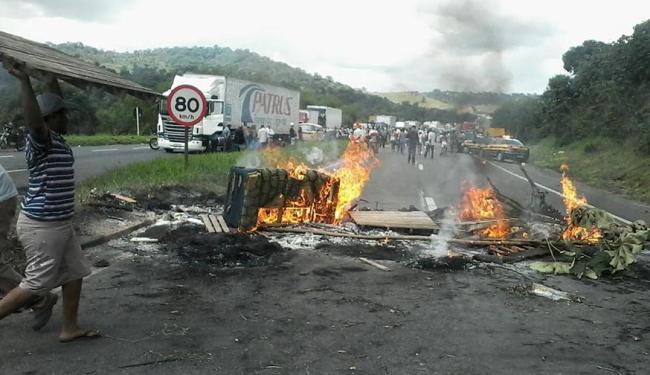 Manifestação realizada no dia 2 durou 8h e gerou engarrafamento de cerca de 20 km na BR-324 - Foto: | Ag. A TARDE