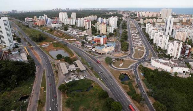 Motoristas terão que usar outras vias para acessar o Imbuí no final de semana - Foto: Carlos Casaes   Ag. A TARDE