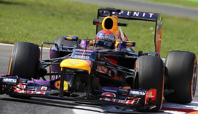 Sebastian Vettel cravou 1m24s453 para ser o mais rápido do dia - Foto: Enrico Schiavi l Reuters