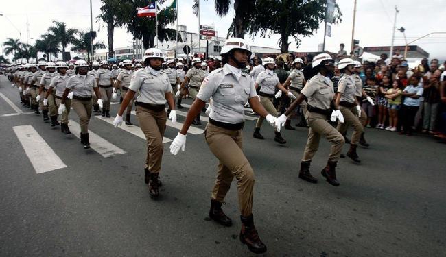 Equipes da PM marcaram presença no desfile - Foto: Lúcio Távora | Ag. A TARDE