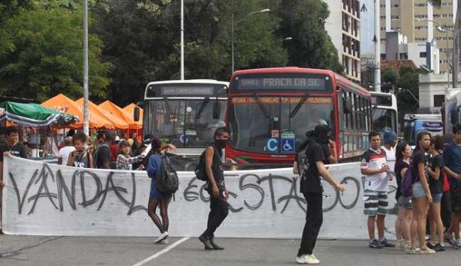 Manifestantes começaram a se concentrar na Praça do Campo Grande - Foto: Lúcio Távora   Ag. A TARDE
