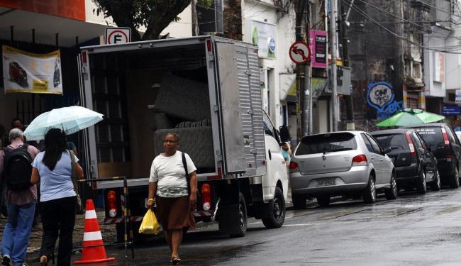 Fiscalização das novas regras para carga e descargam começam na segunda - Foto: Lúcio Távora   Ag. A TARDE
