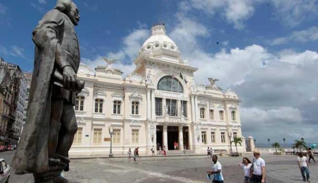 Estátua está colocada em uma área próxima ao Palácio Rio Branco - Foto: Eduardo Martins | Ag. A TARDE
