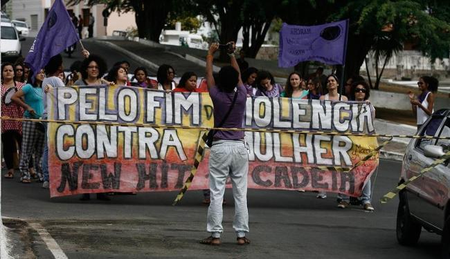 Membros da Marcha Mundial das Mulheres chegam a Ruy Barbosa para acompanhar julgamento - Foto: Luiz Tito | Ag. A TARDE