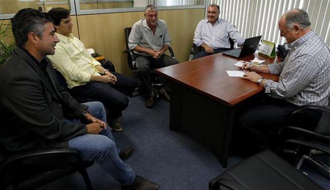 Felipão e integrantes da comissão técnica reúnem-se na CBF, nesta terça-feira - Foto: Divulgação l Assessoria CBF
