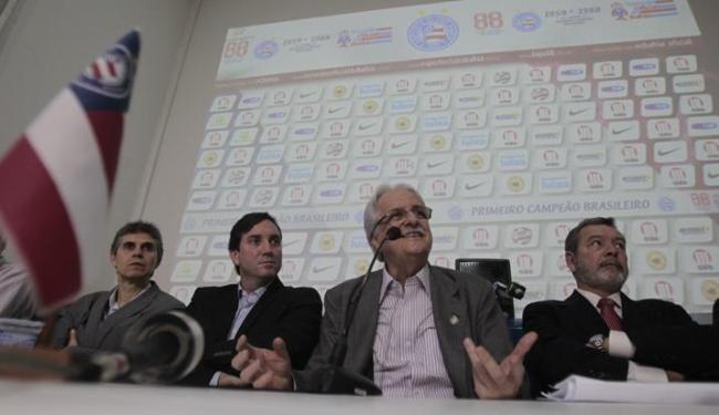 Fernando Schmidt falou em cortes de gastos durante apresentação da nova diretoria no Fazendão - Foto: Raul Spinassé / Ag. A TARDE