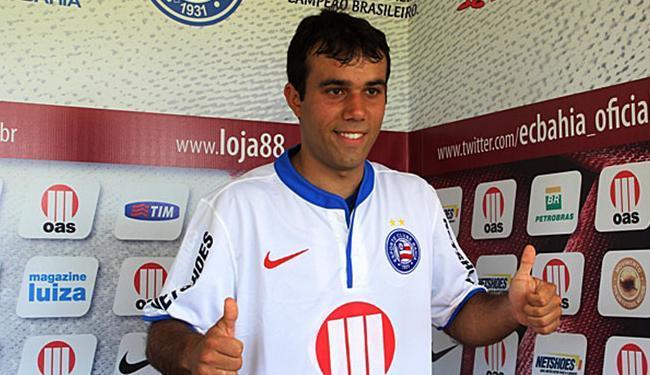Jogador fica no Bahia até o fim do Estadual de 2014 - Foto: Divulgação | Ascom E.C. Bahia