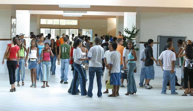 Escola Rafael Serravale foi uma das afetadas com atraso - Foto: Fernando Vivas   Ag. A TARDE