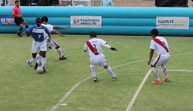 O baiano Jefinho foi o destaque da partida, com três gols marcados no primeiro tempo - Foto: Tadeu Casqueira / Divulgação CBDV
