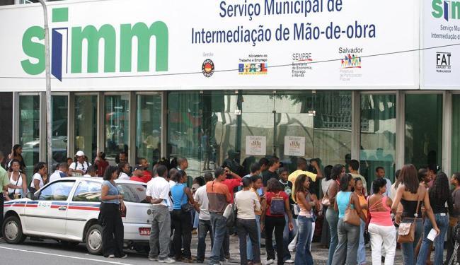 Segundo governo, redução se deve ao aumento do número de postos de trabalho - Foto: Eduardo Martins | Ag. A TARDE