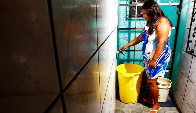 Vai faltar água a partir das 5h desta sexta-feira - Foto: Fernando Vivas / Ag. A Tarde