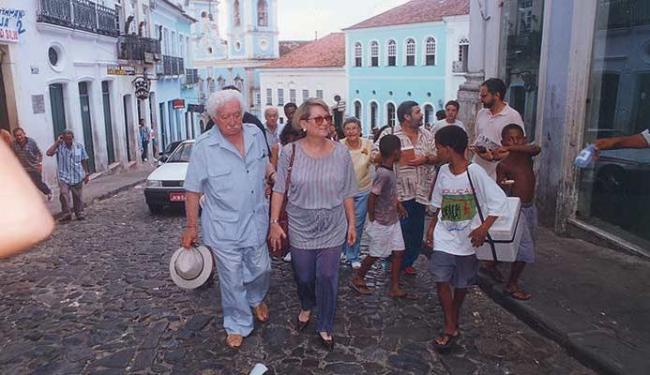 Jorge Amado, Myriam Fraga e Zélia Gattai, numa das visitas dos escritores ao Pelourinho - Foto: Arquivo Pessoal