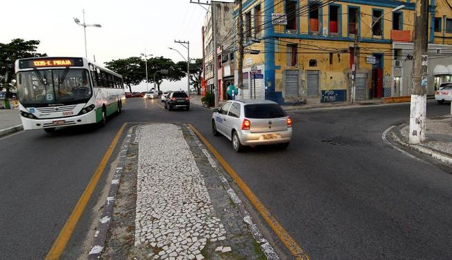 Setenta e seis linhas de ônibus que trafegam pela região terão o itinerário modificado - Foto: Eduardo Martins   Ag. A TARDE