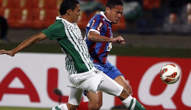 Com derrota por 1 a 0, tricolor terá que vencer o Nacional por dois gols ou mais de diferença - Foto: Alberto Lopera | Ag. Reuters