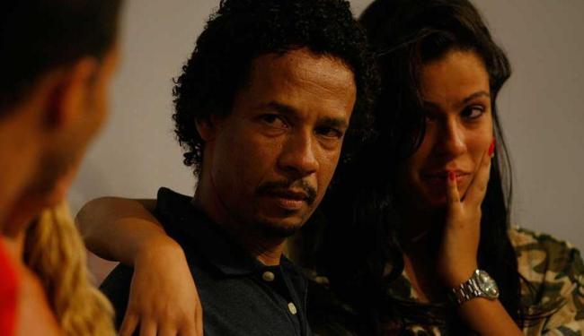 Comerciante reencontrou a filha após ser solto - Foto: Raul Spinassé | Ag. A TARDE