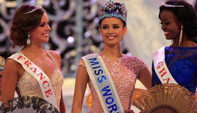Megan Young, das Filipinas, levou o título de Miss Mundo 2013, disputado em Bali, na Indonésia - Foto: Firdia Lisnawati / Agência AP