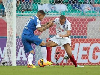 No primeiro turno, Timão bateu o tricolor por 2 a 0, na Fonte Nova - Foto: Eduardo Martins   Ag. A TARDE