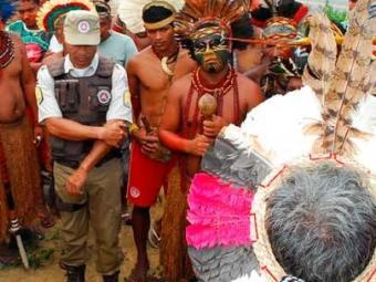 Indígenas liberaram a rodovia depois de 13 h de protesto nesta quarta - Foto: Reprodução | Itamaraju Notícias