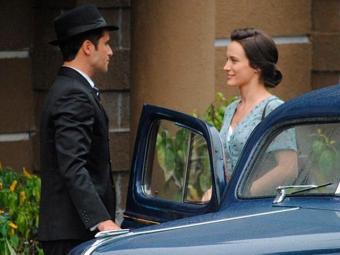 Franz leva Amélia até o fórum e conta a novidade - Foto: TV Globo | Divulgação