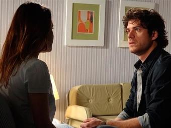 Florista fica chocado com tudo que ouve sobre sua esposa - Foto: TV Globo | Divulgação