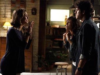 Simone desmente Amora e diz para ela confessar tudo a Bento - Foto: TV Globo   Divulgação