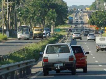 Instalação de passarela modifica o trânsito - Foto: Joá Souza | Ag. A TARDE