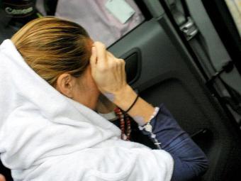 Médica deixa hospital e é conduzida para penitenciária - Foto: Marco Aurélio Martins   Ag. A TARDE