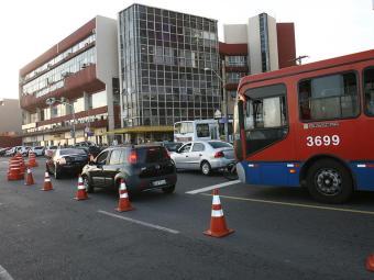 Trânsito está complicado na Barra neste domingo - Foto: Margarida Neide | Ag. A TARDE