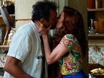 Operário não resiste e diz que os dois podem tentar ficar juntos - Foto: TV Globo   Divulgação