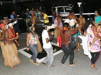 Representantes das tribos Tupinambá, Tumbalalá, Pataxó e Pataxó Hã-Hã-Hãe se reuniram no CAB, por 3 - Foto: Margarida Neide   Ag. A TARDE
