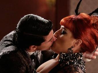 Serena e Arlindo se beijam após uma briga - Foto: TV Globo | Divulgação
