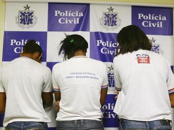 Três garotas que estavam no grupo foram apreendidas - Foto: Fernando Amorim | Ag. A TARDE