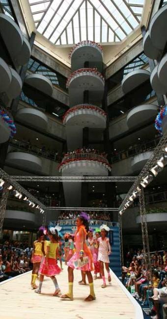 Desfile de moda é uma das opções de divertimento para a criançada - Foto: Fernando Vivas | Ag. A TARDE
