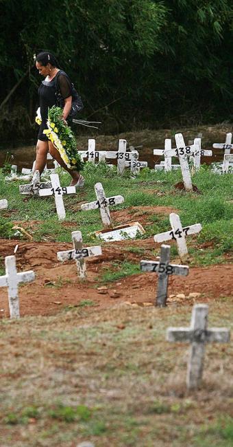 Conforme a Prefeitura, suspensão de sepultamentos é devido a falta de espaço - Foto: Raul Spinassé/ Ag. A TARDE