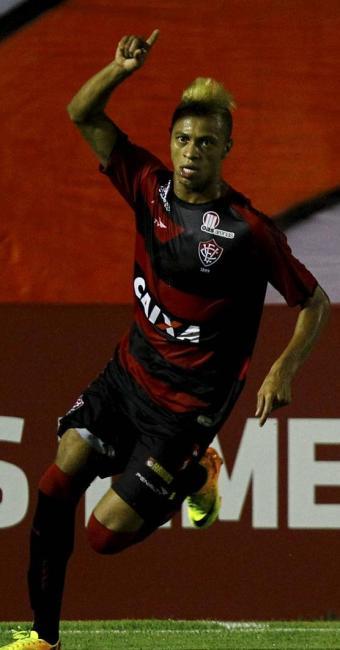 William Henrique comemora o gol que decidiu a partida para o Vitória - Foto: Eduardo Martins | Ag. A TARDE