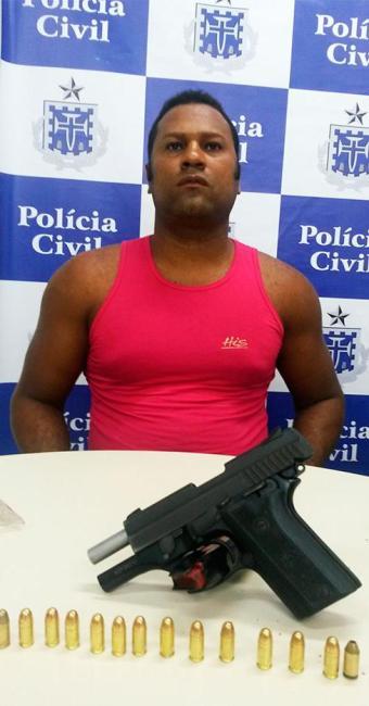 Além da arma, um carregador com 15 munições também foi encontrado - Foto: Divulgação   Polícia Civil