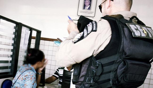 Queixa em delegacia: registros têm campos para cor e orientação sexual das vítimas - Foto: Luiz Tito | Ag. A TARDE